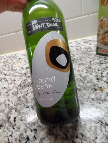 Round Peak bottle of Bent Door