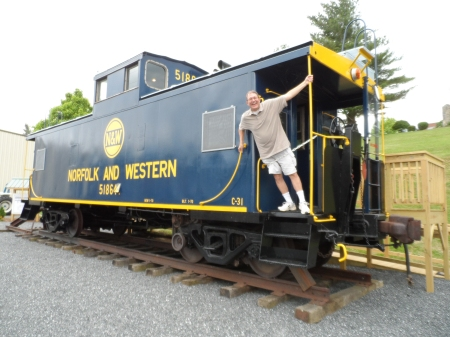 Norfolk & Western Caboose with Tourist Posing