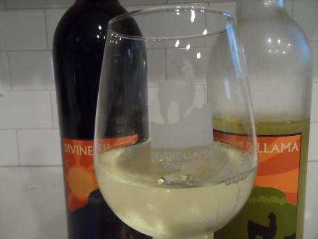 Divine Llama Vineyards Etched Glass